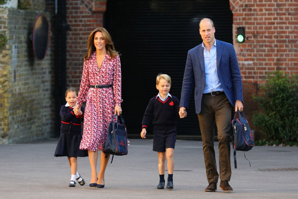 Prinzessin Charlotte Prinz George Kate und William bei Charlottes Einschulung 2019
