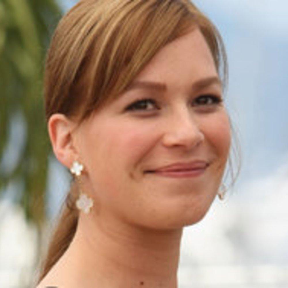 """Franka Potente zeigt ein Stück deutsche Geschichte in """"Die Brücke"""""""