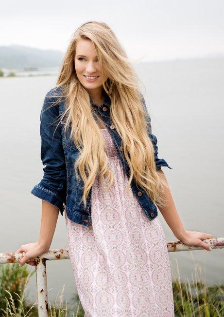 Frisur lange haare seitenscheitel