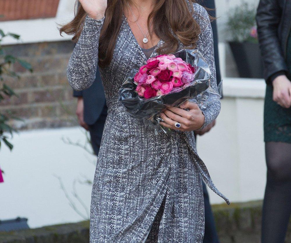 Kate Middleton zeigt endlich ihren Babybauch!