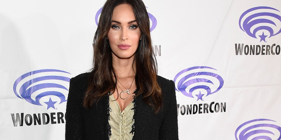 """LOS ANGELES, CA - MARCH 25: Actress Megan Fox attends a panel at WonderCon 2016 to promote the upcoming release of Paramount Pictures' """"Teenage Mutant Ninja Turtles – Out of The Shadows"""", on March 25, 2016 at the LA Convention Center in Los Angeles, California. (Photo by Frazer Harrison/Getty Images)"""