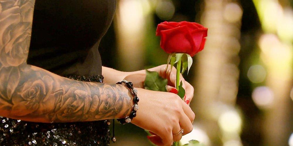 Diese Woche vergeben die Damen im Paradies die Rosen.