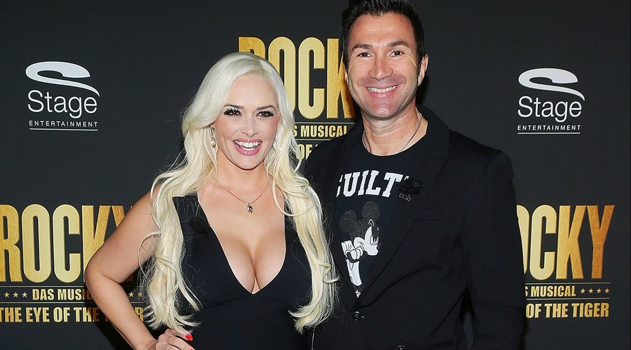STUTTGART, GERMANY - NOVEMBER 11: Daniela Katzenberger and Lucas Cordalis attend the black carpet prior to the premiere of the musical 'ROCKY - The Musical' at Stage Palladium Theater on November 11, 2015 in Stuttgart, Germany. (Photo by Thomas Niedermueller/Getty Images)