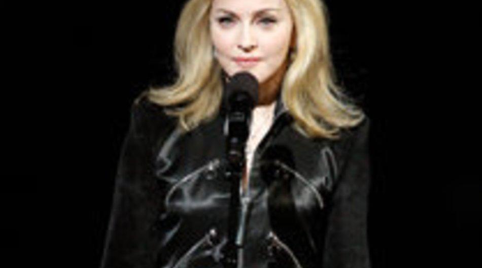 Madonna spendet Schuhe