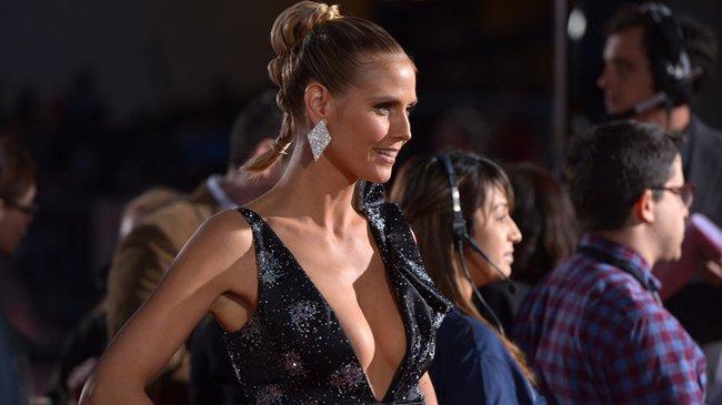Mit diesem extratiefenAusschnitt zog Heidi Klum (40) bei der Verleihung der