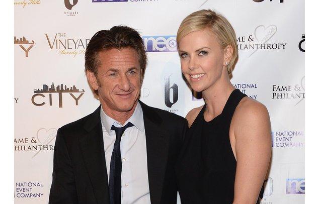 Sean Penn und Charlize Theron bei der Oscar-Verleihung