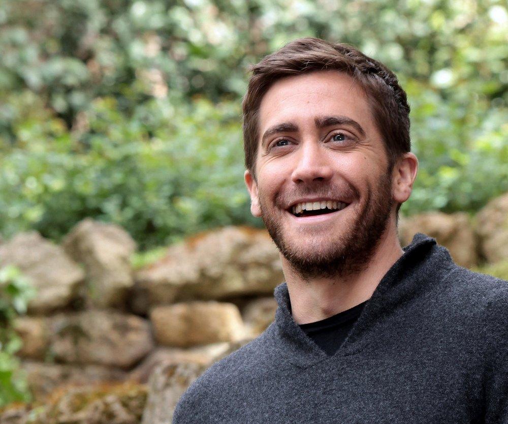 Jake Gyllenhaal isst Wurm