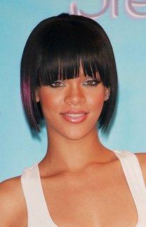 Rihanna mit super glattem Bob