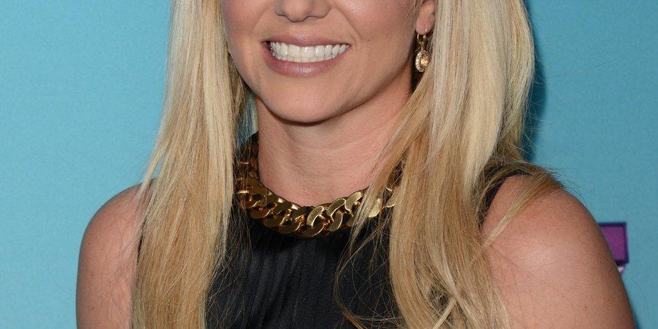 Britney Spears im Kampf gegen das Nägel-Kauen