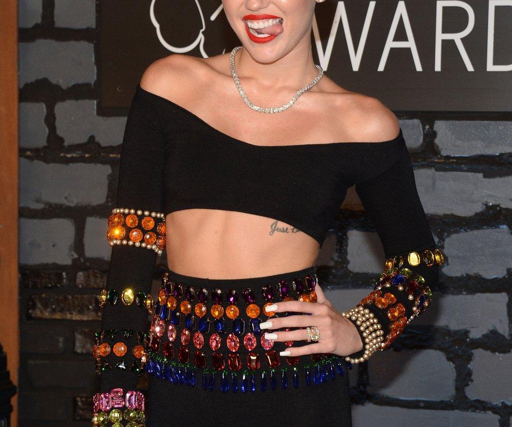 Miley Cyrus: Perückenspaß an Halloween!