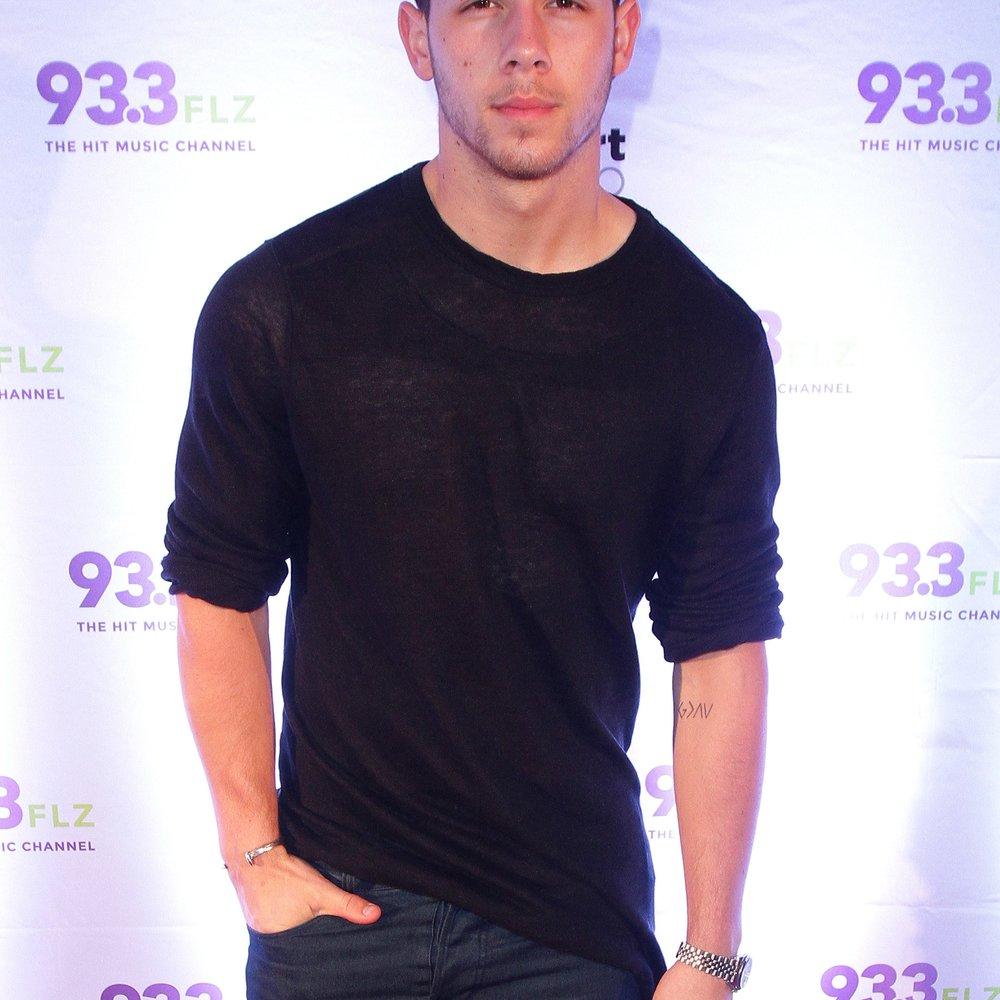 Nick Jonas googelt sich selbst