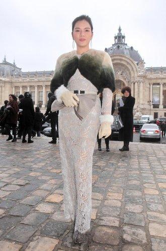 Street Style bei den Haute Couture Schauen in Paris