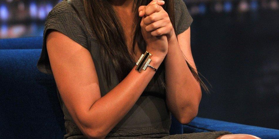 Mila Kunis als Krankenschwester