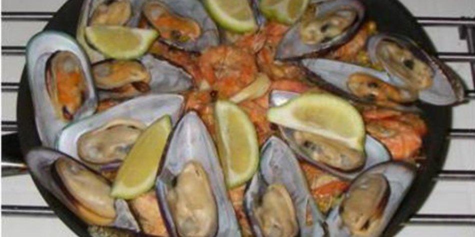 Paella - mit reichlich Meeresfrüchten