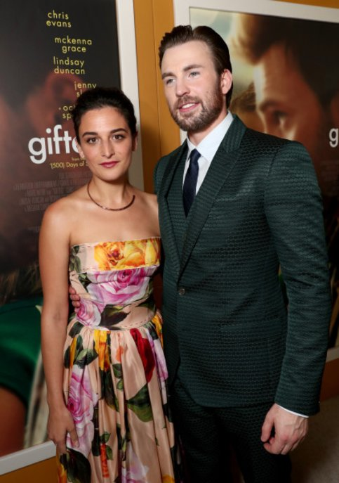 Chris EVans girlfriend gifted premiere