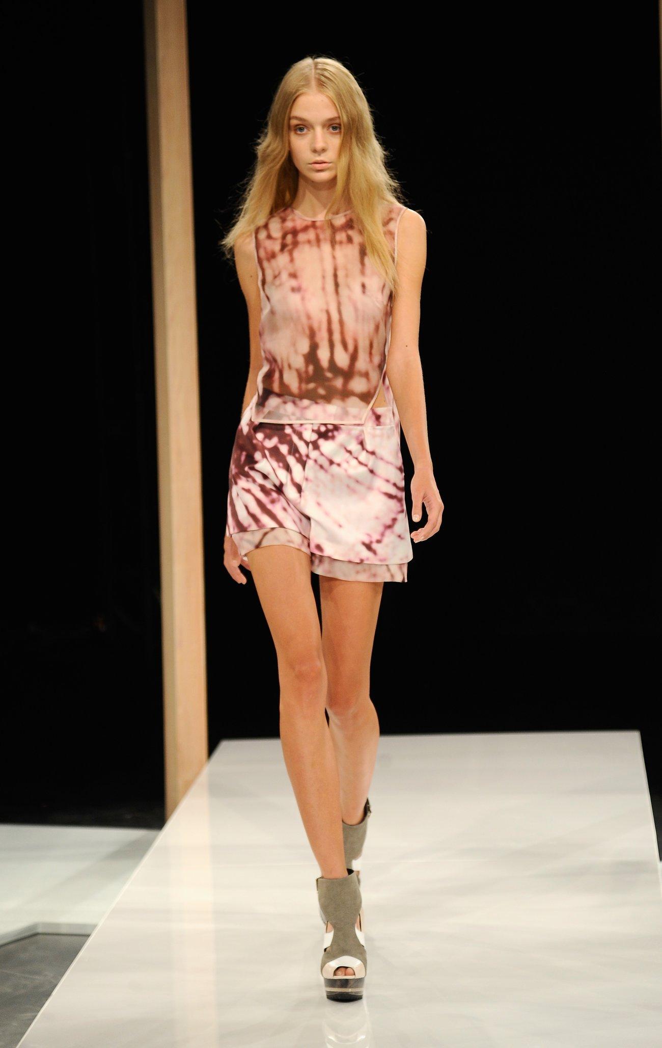 Model Laufsteg Batik