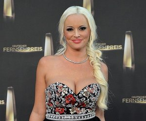 """COLOGNE, GERMANY - OCTOBER 02: Daniela Katzenberger arrives at the """"Deutscher Fernsehpreis 2014"""" at Coloneum on October 2, 2014 in Cologne, Germany. (Photo by Sascha Steinbach/Getty Images)"""
