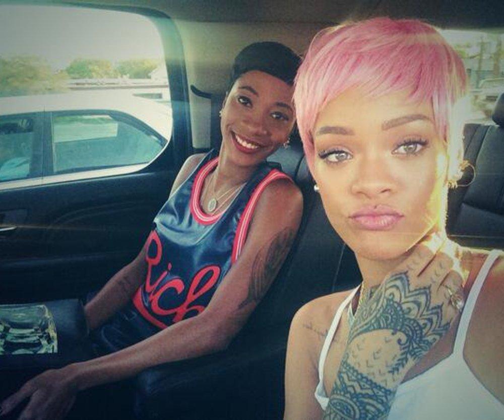 Rihanna trägt jetzt pink