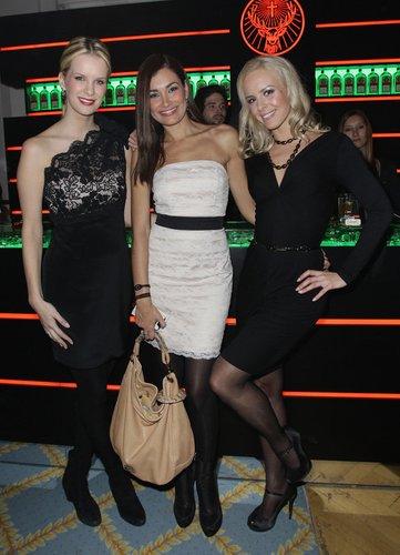 Monica Ivancan, Jana Ina Zarrella und Isabel Edvardsson feiern 2010 auf eine Medienparty in Hamburg.