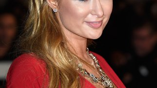 Paris Hilton: War sie beim Beauty-Doc?