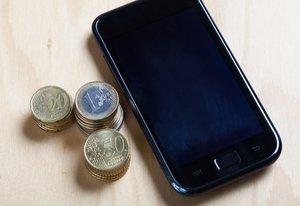 Geld und Handy