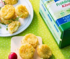 Knusprige FrühlingsKäse-Taler von MILRAM auf Blattsalat