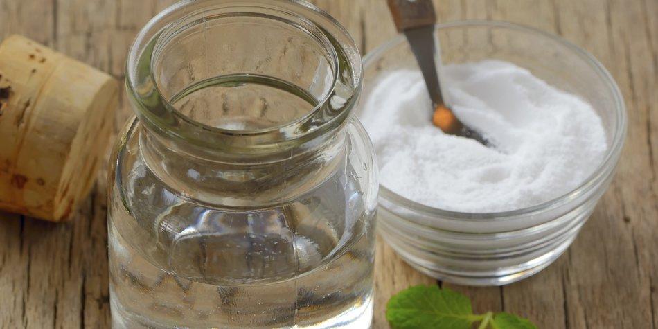 Natural and antibacterial homemade mouthwash