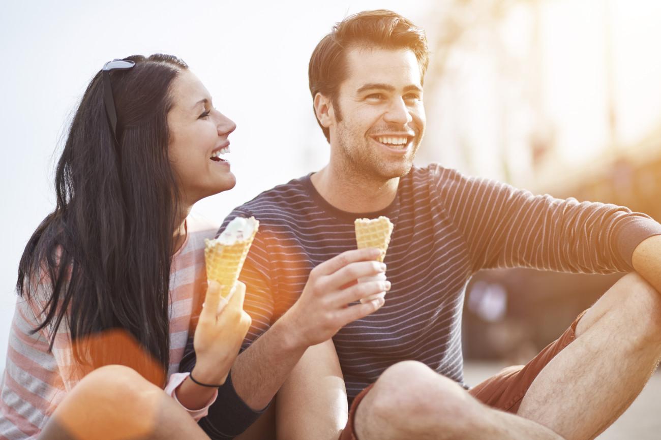 fragen-beim-ersten-date-stellen-liste-fragen-für-tinder-und-für-die ...