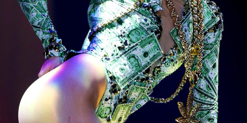 Miley Cyrus ruft zu Zungenspielen auf