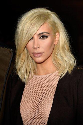 Kim Kardashian ist platinblond