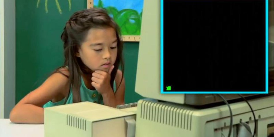 Kids React: In lustigem Video reagieren Kinder auf alten Computer