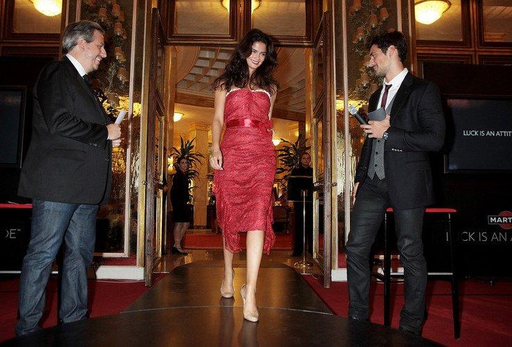 David Gandy begrüßt Shermine Sharivar als Gäste in Rom