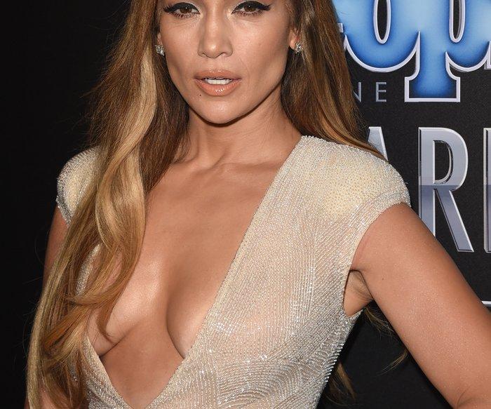 Jennifer Lopez bricht in Tränen aus