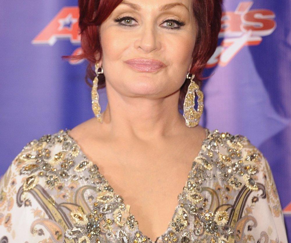 Sharon Osbourne verteufelt Schönheitschirurgie