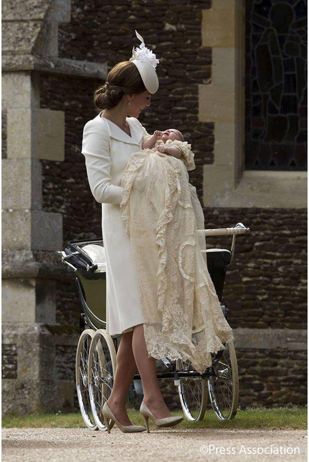 Prinzessin Charlotte vor der Kirche in Sandringham