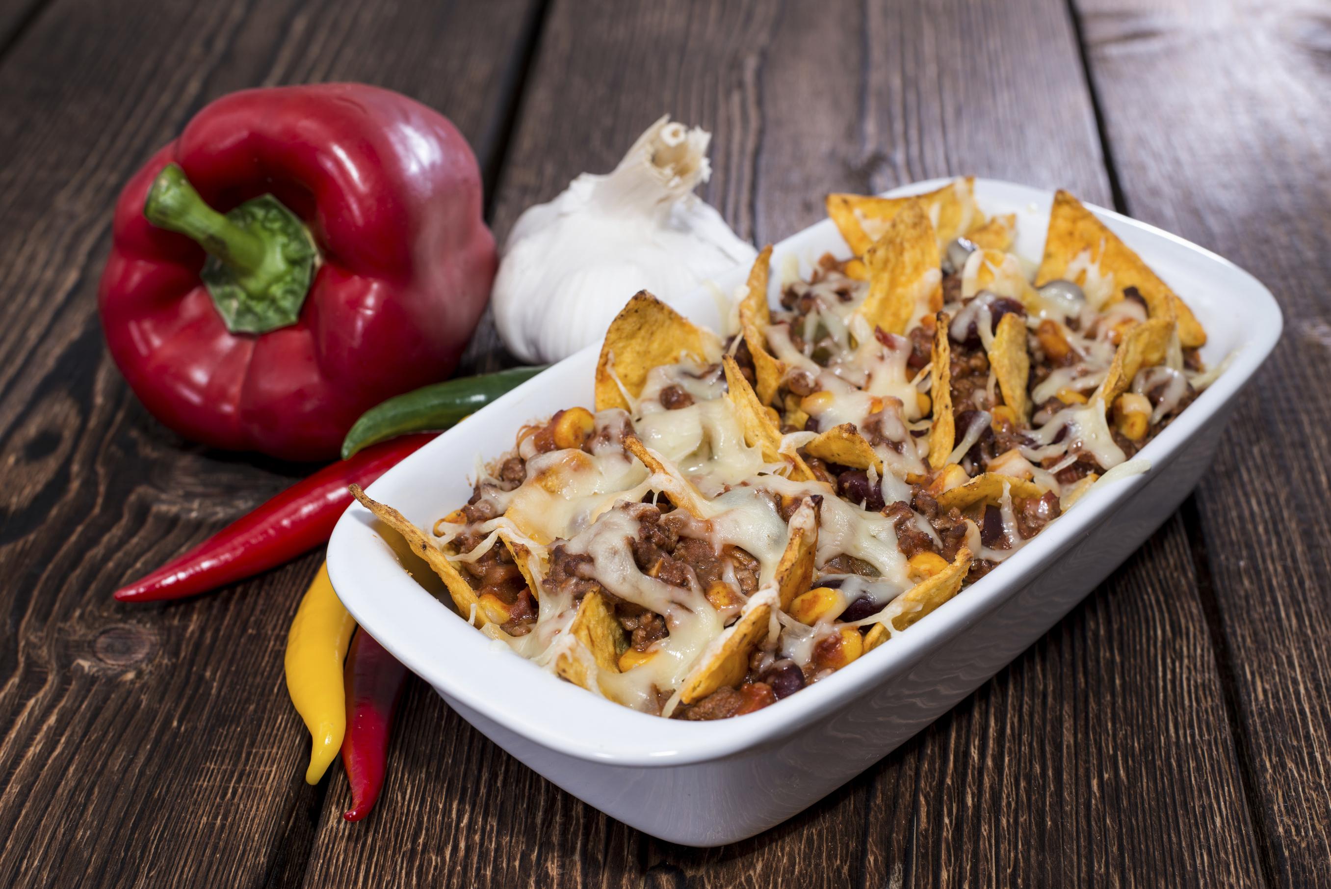 Unwiderstehlich: Nachos überbacken mit Käse