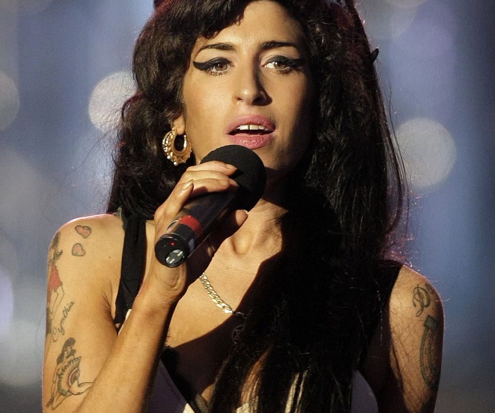 Amy Winehouse bekommt lebensgroße Statue in London