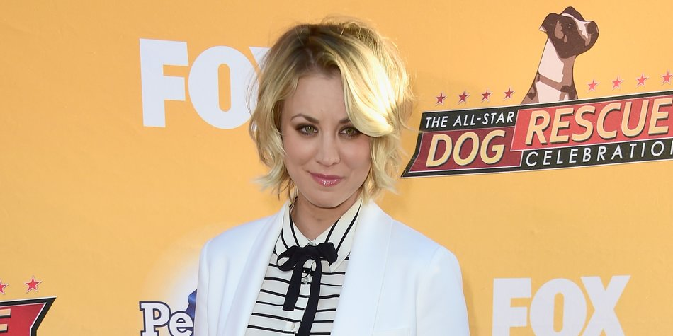 SANTA MONICA, CA - NOVEMBER 21: Actress Kaley Cuoco arrives at the All-Star Dog Rescue Celebration at Barker Hangar on November 21, 2015 in Santa Monica, California. (Photo by Frazer Harrison/Getty Images)