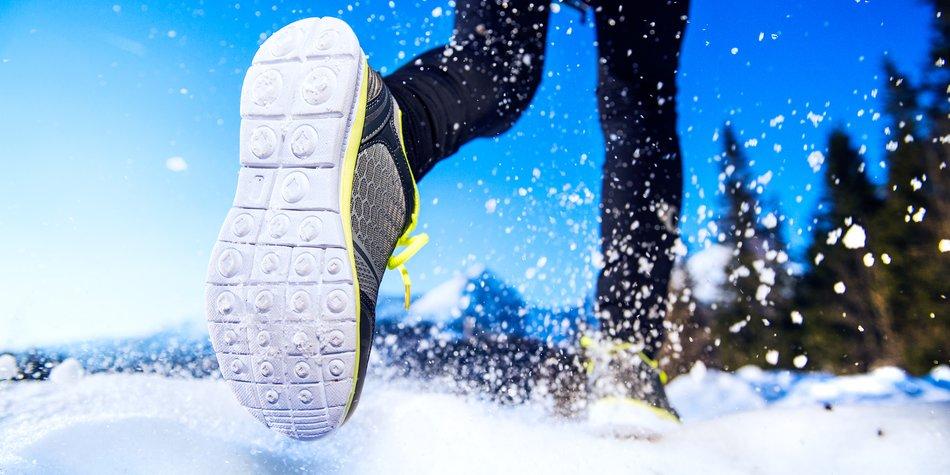 Bei Sport im Schnee kannst Du eine Menge Kalorien verbrennen