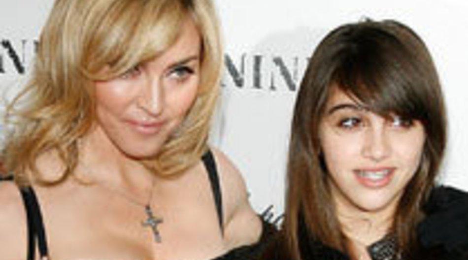 Madonna mit Tochter Lourdes auf dem roten Teppich