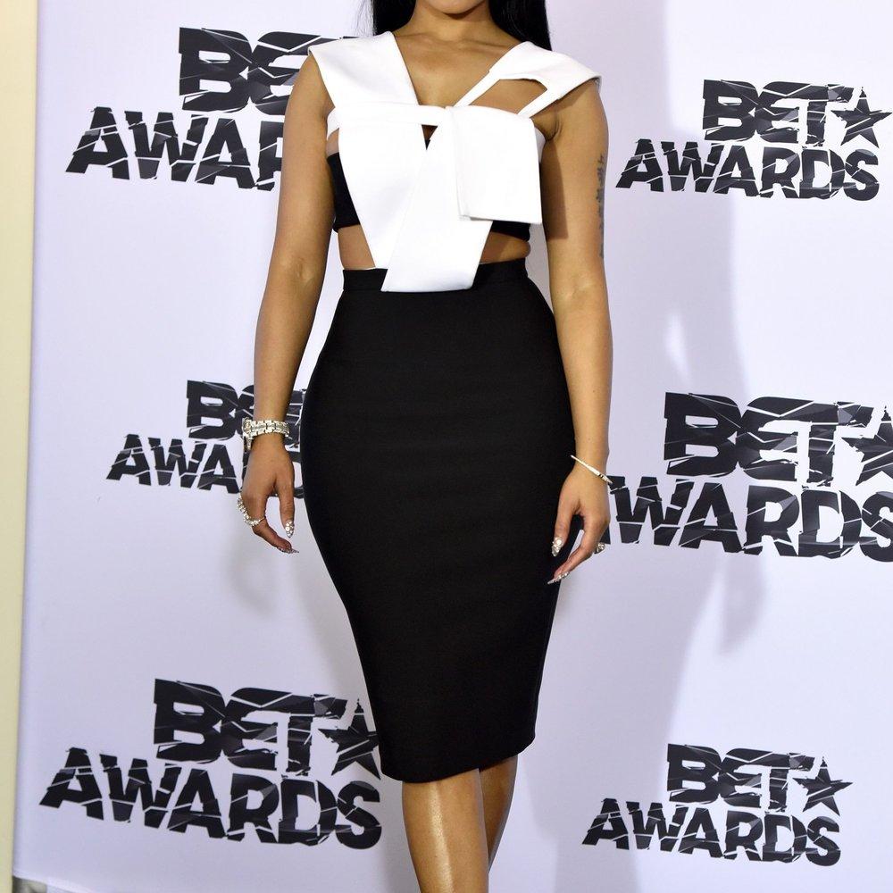 Nicki Minaj vergisst 11.000-Dollar-Kleid im Hotelzimmer
