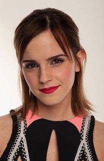 Emma Watson mit zurückgestecktem Bob