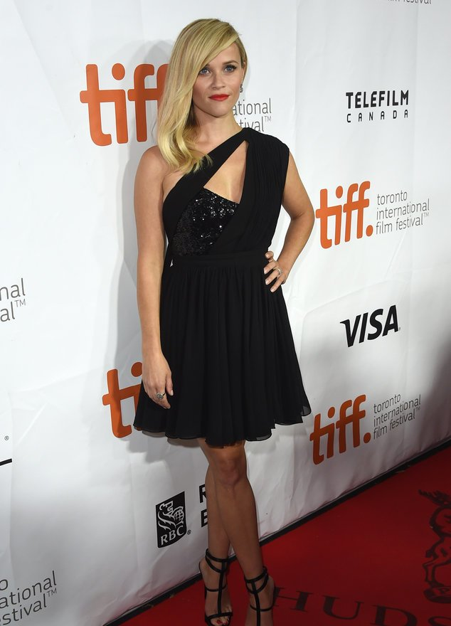 Reese Witherspoon zeigt viel nackte Haut