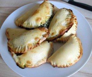 Empanda mit Spinat Käse Füllung