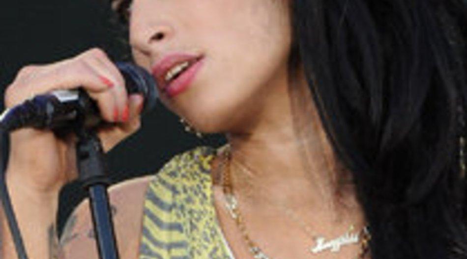 Betrunkene Amy Winehouse ausgebuht