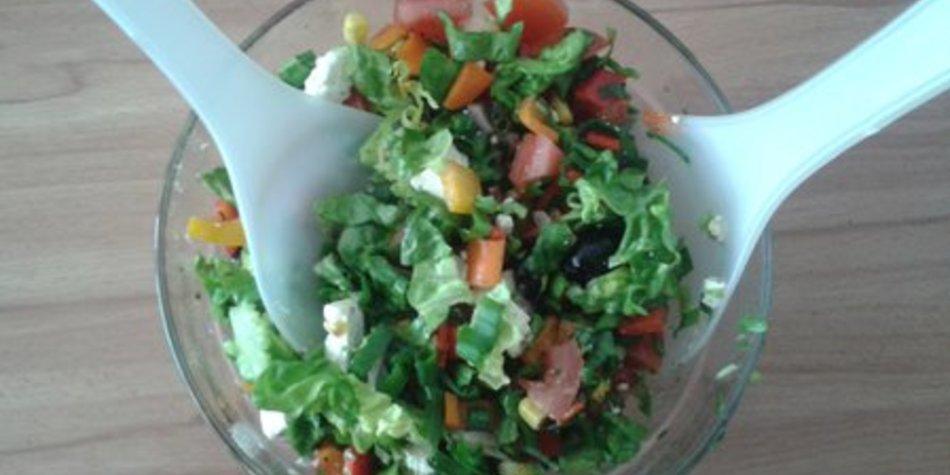 Frischer Frühlingssalat