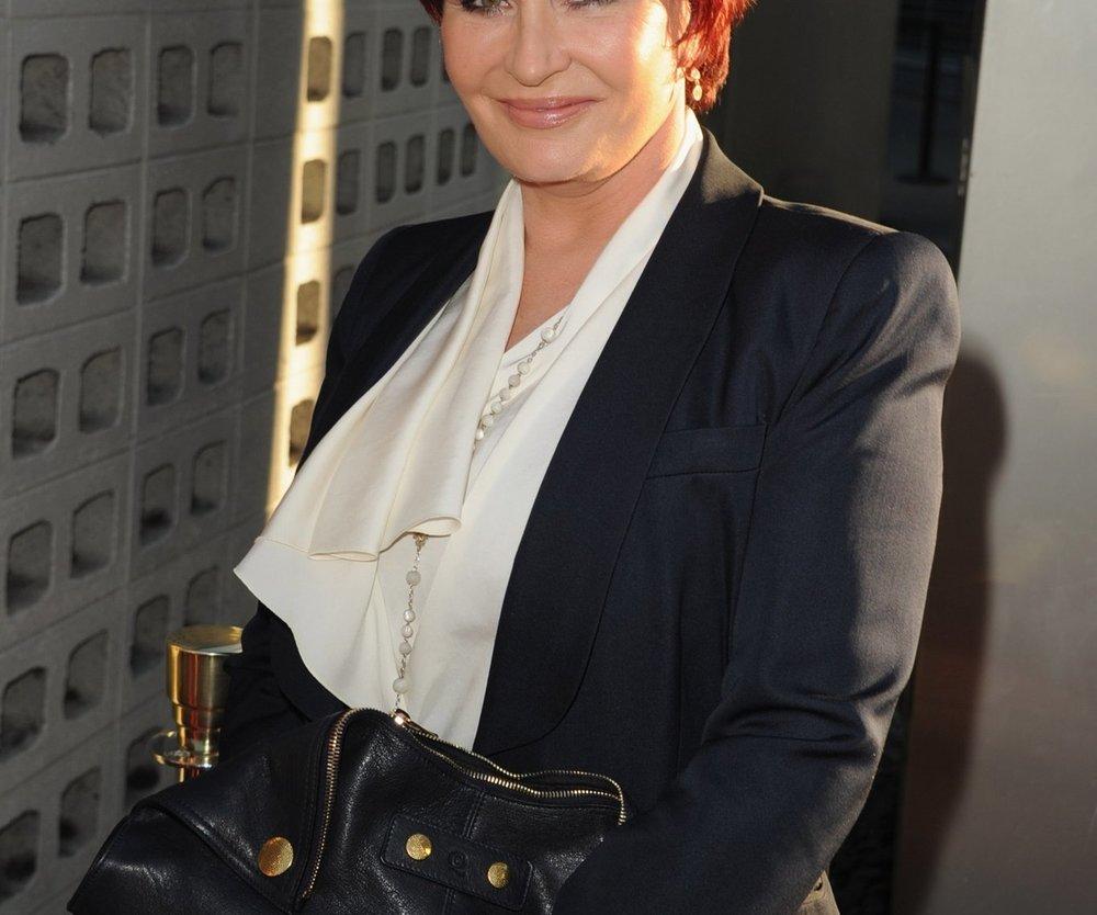 Sharon Osbourne ist wieder silikonfrei