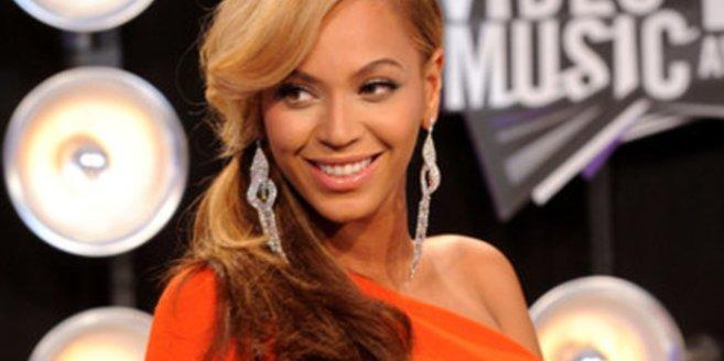 Beyoncé entwirft Mode für Schwangere