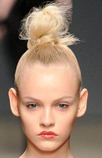Hoher Dutt in blond