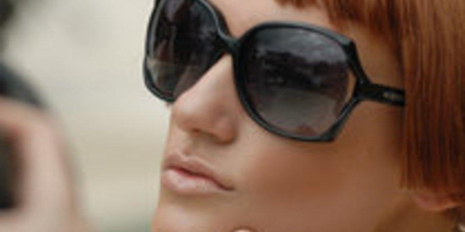 Maria von Germanys next Topmodel im Shooting für Vogue Eyewear